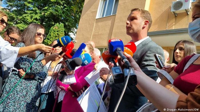Draško Stanivuković predaje prijave u tužiilaštvo