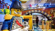 2019-11-29 07:50:59 AMSTERDAM - Interieur des LEGO Flagship Stores in der Kalverstraat. Laut LEGO spiegeln sich die niederländische Kultur und Identität stark im Geschäft wider. ANP KOEN VAN WEEL