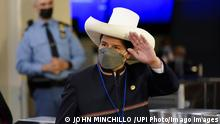 President Pedro Castillo of Peru arrives at the 76th Session of the U.N. General Assembly on Tuesday, Sept. 21, 2021 in New York City. Pool PUBLICATIONxINxGERxSUIxAUTxHUNxONLY NYX20210921254 JOHNxMINCHILLO