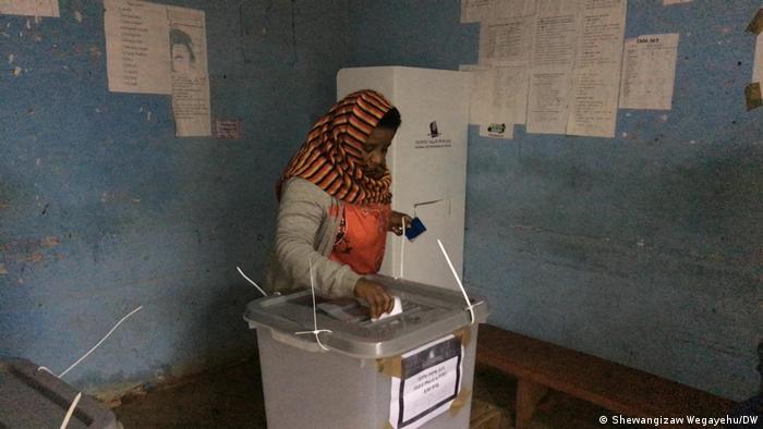 Bonga resident Zenebech Mulate casts her ballot