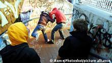 Symbolbild Jugend Gewalt Rassismus Antisemitismus
