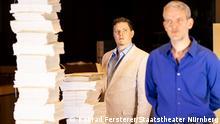 """Staatstheater Nürnberg Schauspiel """"Saal 600: Spurensuche"""" von dura & kroesinger Regie: Regine Dura, Hans-Werner Kroesinger Premiere: 25.09.2021 Im Bild: Nicolas Frederick Djuren, Janning Kahnert"""