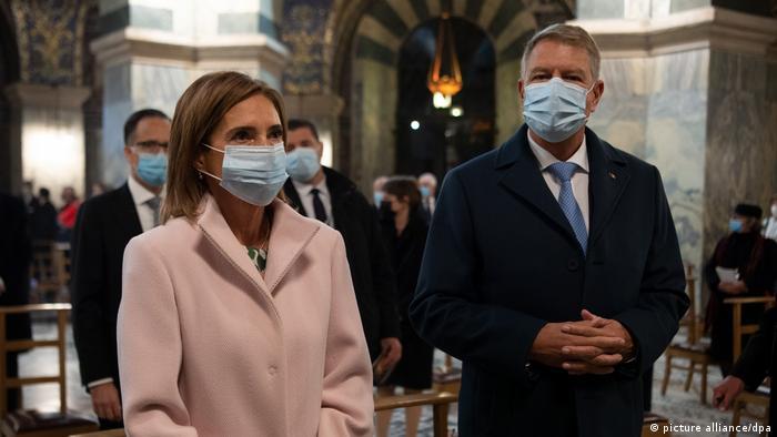 Der rumänische Präsident Klaus Iohannis und seine Frau Carmen im Aachener Dom