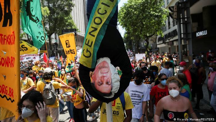 Brasilien Protest gegen Bolsonaro in Rio de Janeiro