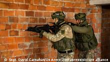 STYLELOCATIONUkrainian soldiers conduct urban operations, during exercise Rapid Trident 2021 September 22, 2021 in Lviv, Ukraine. Soldiers from 15 nations participate in the combined exercise for urban warfare. (Credit Image: © Ssgt. David Carnahan/Us Army/Planet Pix via ZUMA Press Wire