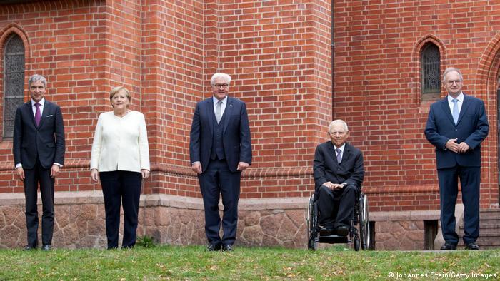 Stephan Harbarth, Angela Merkel, Frank-Walter Steinmeier, Wolfgang Schäuble şi Reiner Haseloff, cu prilejul împlinirii a 31 de ani de la reunificarea Germaniei.