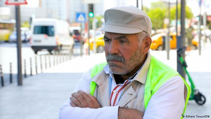 Sadık Gergin, Rönesans Holding'in yüklenici firması olduğu TOKİ'nin şantiyesinde çalışan ve maaşını alamayan yüzlerce işçiden sadece biri.