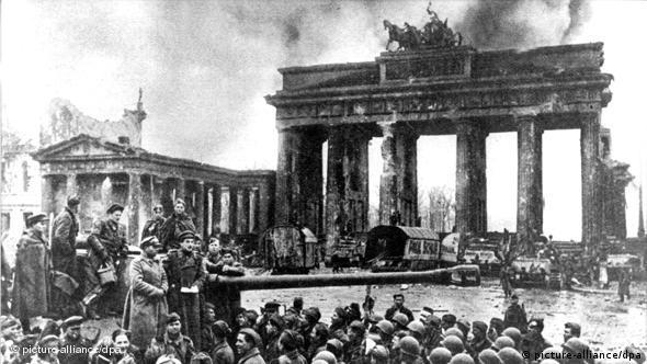 Flash-Galerie Sowjets befreien Berlin