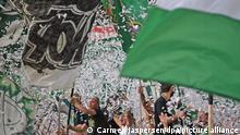 Fußball: 2. Bundesliga, Werder Bremen - 1. FC Heidenheim, 9. Spieltag, wohninvest Weserstadion. Die Ultras von Werder Bremen sind wieder im Stadion. +++ dpa-Bildfunk +++
