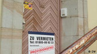 'For rent' sign on a Torgau building