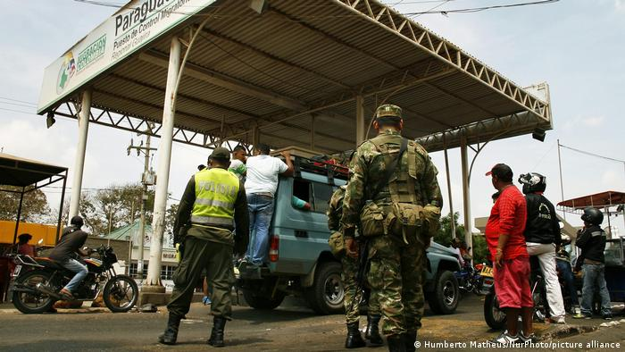 Colombian soldiers pictured at a border control point with Venezuela