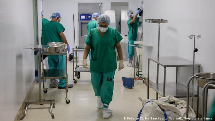 Rata incidenţei nu mai este singurul criteriu de evaluare a tendinţei epidemiologice. Rata de internare în spital a devenit cel mai important criteriu.