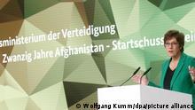 6.10.2021, Berlin*** Annegret Kramp-Karrenbauer (CDU), Bundesverteidigungsministerin, nimmt an der Konferenz Bilanzierung und Würdigung 20 Jahre Afghanistan-Einsatz teil und hält eine Rede. Der Einsatz der Bundeswehr in Afghanistan ist mit Abschluss der militärischen Evakuierungsoperation am Flughafen Kabul seit dem 27. August 2021 endgültig beendet.