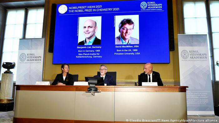 The Nobel Prize Committee announces the winners of the 2021 Nobel Prize in Chemistry: Benjamin List und David W.C. MacMillan