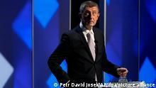 Der tschechische Premier Andrej Babis nimmt an einer Fernsehdebatte vor den bevorstehenden Parlamentswahlen teil. Die tschechische Polizei hat angekündigt, die neuen Veröffentlichungen aus den sogenannten «Pandora Papers» auf mögliche Rechtsverstöße zu überprüfen. Dies betreffe nicht nur Ministerpräsident Andrej Babis, sondern auch alle weiteren erwähnten Bürger des Landes. (Zu dpa «Pandora Papers»: Polizei in Tschechien prüft Vorwürfe gegen Babis) +++ dpa-Bildfunk +++