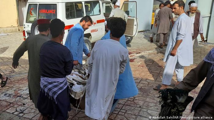 Afghanistan | Rettungseinsatz bei Moschee in Kundus
