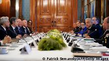 ACHTUNG - das Bild ist nicht für das neue ROAD-Design geeignet! 08.10.21 *** Mexican President Andres Manuel Lopez Obrador (R), speaks during a working breakfast with US Secretary of State Antony Blinken (2-L) at the National Palace in Mexico City, on October 8, 2021. - The United States and Mexico are set to discuss an overhaul of their joint fight against drug cartels during a visit by US Secretary of State Antony Blinken on Friday. (Photo by Patrick Semansky / POOL / AFP) (Photo by PATRICK SEMANSKY/POOL/AFP via Getty Images)