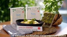 Gefrorene Pesto Tropfen unter den Top-Innovationen auf der Lebensmittelmesse Anuga, der weltweit führenden Ernährungsmesse für Handel, Gastronomie und Außer-Haus-Markt, 2021 in der Koelnmesse. Köln, 08.10.2021