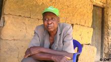 Nigeria: Pesticides led to death of nearly 300 villagers Ort: Oye Obi, Benue State, Nigeria Schlagwörter Nigeria, Benue State, pesticides, toxic, river, Endosulfan Sendedatum: 08.10.2021 Rechte: DW Bildbeschreibung: A man in the village of Oye Obi has lost his wife and several children, because their water was contaminated with banned chemicals. In 2020, at least 270 people in Nigeria's Benue State died from a mystery ailment. The government has now revealed to DW that they had been poisoned by pesticides in a nearby river.