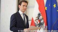dpatopbilder - 09.10.2021, Österreich, Wien: Sebastian Kurz (ÖVP), Bundeskanzler von Österreich, kommt, um ein Statement zur Regierungskrise im Bundeskanzleramt abzugeben. Kurz gab bekannt, dass er als Bundeskanzler von Österreich zurücktreten wird, nachdem er wegen schwerer Korruptionsvorwürfe als Verdächtiger genannt worden ist. Foto: Georg Hochmuth/APA/dpa +++ dpa-Bildfunk +++