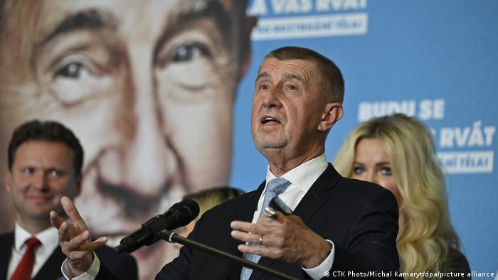 Político tcheco Andrej Babis fala em campanha eleitoral