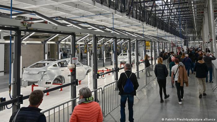Na Danu otvorenih vrata posjetitelji su mogli razgledati unutrašnjost nove tvornice