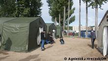 Nur im Zusammenhang mit dem Bericht von Agnieszka Hreczuk! **** 6.10.2021 in Eisenhüttenstadt. Die Zelten werden in Lager aufgebaut, damit die neu angekommenen Flüchtlinge dort die erste Stunde/ Nacht verbringen können
