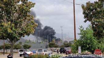 USA Rauchentwicklung nach Flugzeugabsturz in Santee, Kalifornien