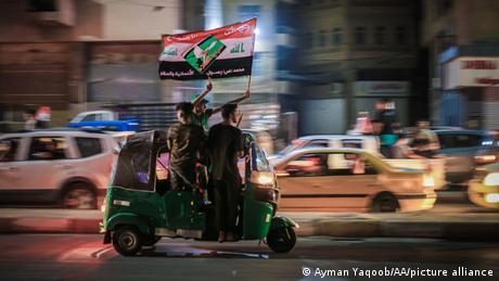 Unterstützer von al-Sadr feiern nach den Parlamentswahlen