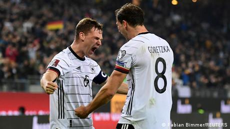 Kimmich e Goretzka comemoram vitória sobre a Romênia