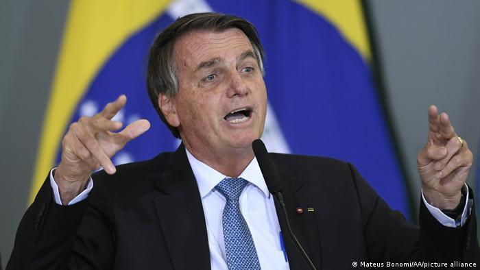 Sob polêmica, cidade italiana aprova homenagem a Bolsonaro