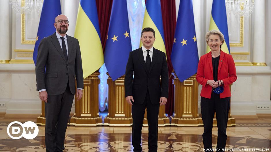 EU chief vows to help Ukraine with gas supply   DW   12.10.2021