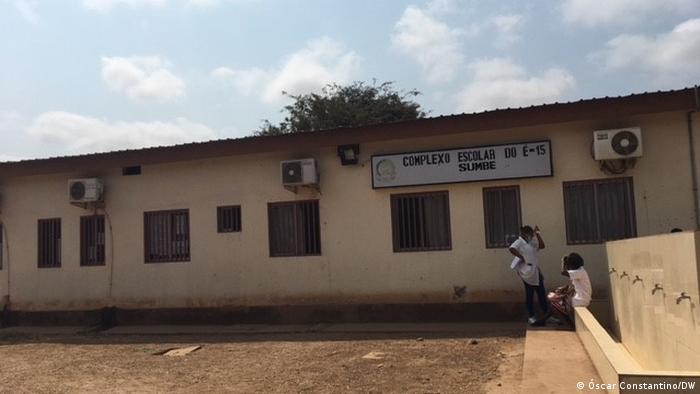 Angola, Kwanza Sul | Schulgebäude
