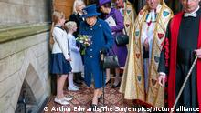 Centenary of the Royal British Legion. Queen Elizabeth II uses a walking stick as she arrives with the Princess Royal to attend a Service of Thanksgiving at Westminster Abbey in London to mark the Centenary of the Royal British Legion. Picture date: Tuesday October 12, 2021. See PA story ROYAL Queen . Photo credit should read: Arthur Edwards/The Sun/PA Wire URN:63016170
