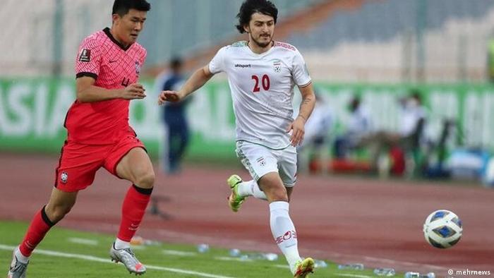صحنهای از دیدار خانگی تیم ملی فوتبال ایران در مقدماتی جام جهانی ۲۰۲۲ مقابل کرهجنوبی در تهران