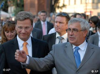 Guido Westerwelle, left, and Bosnian counterpart Sven Alkalaj