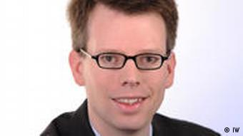 Hubertus Bardt, Umweltökonom, Institut der Deutschen Wirtschaft in Köln, Experte für Rohstoffe, Deutsche Welle Interview am 23.08.2010, (Foto: Bernd Riegert, Deutsche Welle)