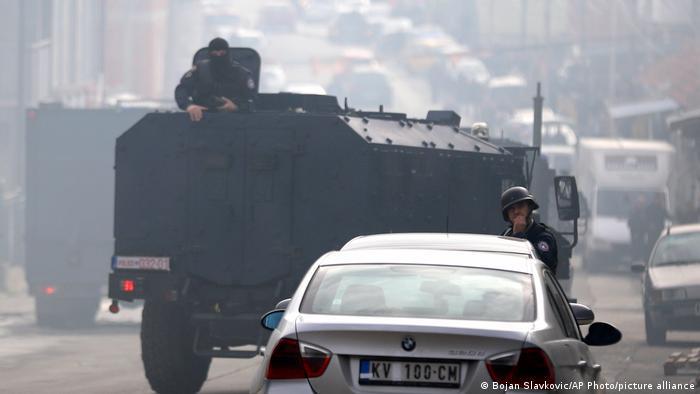 Kosovo Mitrovica   Unruhen   Polizeieinsatz