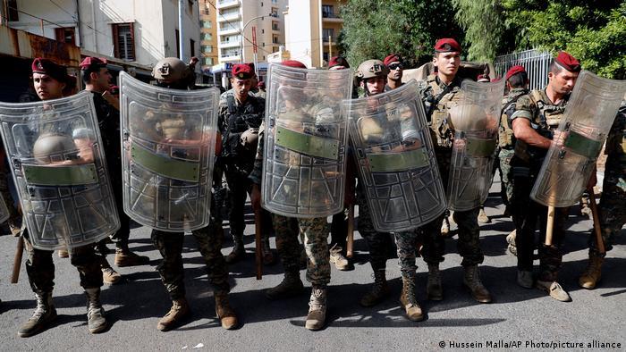 Fuerzas del Ejército libanés ante el Palacio de Justicia del Líbano.