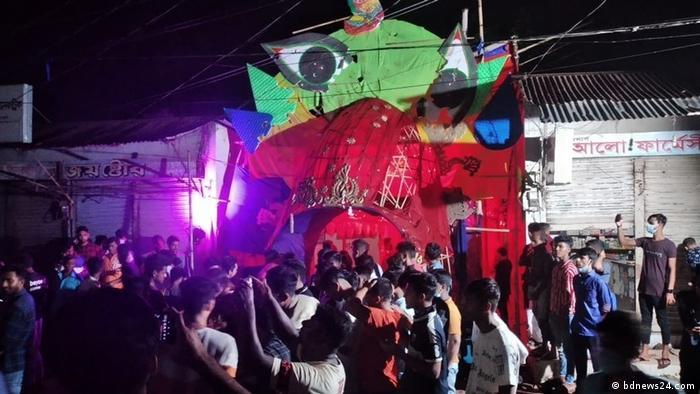 Bangladesch Angriffe auf Hindu-Tempel während Durga-Puja-Feierlichkeit
