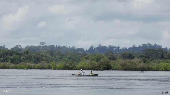 El río Xingú, donde se planea una represa para una central hidroeléctrica que pone en peligro el ecosistema.