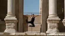 Filmstill aus 'Dance or Die' Dokumentation.
