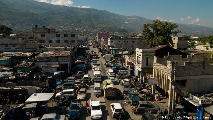 Haiti: Gangue sequestra 15 missionários dos Estados Unidos