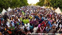 KHARTOUM, SUDAN - OCTOBER 18: Sudanese protesters take part in a sit-in demanding the government dissolution over poor living conditions, outside the presidential palace in the Sudanese capital Khartoum on October 18, 2021. Mahmoud Hjaj / Anadolu Agency