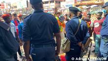 Protestierende in Mbabane konfrontieren die Polizei