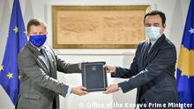 The Prime Minister of Kosovo Albin Kurti receives the Progress Report from the Head of the EU Office in Kosovo Tomas Szunyog. Deutsche Welle have all right to use those photos for website Author: Office of the Kosovo Prime Minister (official publication for media) Date: 20.10.2021