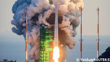 KSLV-II NURI rocket launches from its launch pad of the Naro Space Center in Goheung, South Korea, October 21, 2021. Yonhap via REUTERS ATTENTION EDITORS - THIS IMAGE HAS BEEN SUPPLIED BY A THIRD PARTY. SOUTH KOREA OUT. NO RESALES. NO ARCHIVE.