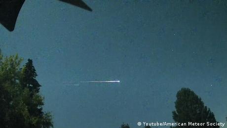 La bola de fuego creada por el satélite ruso muerto Kosmos-2551 al reentrar en la atmósfera terrestre.