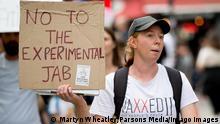 18/09/2021. London, United Kingdom. Anti Vaxxers March. PUBLICATIONxNOTxINxCHNxJPNxPOLxRUS Copyright: xMartynxWheatleyx/xParsonsxMediax PAR-7483-0007
