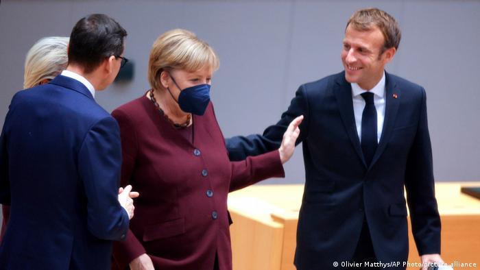 Crise com Polônia domina última cúpula europeia de Merkel